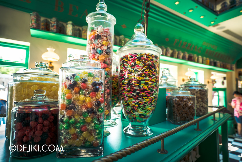 Universal Studios Japan - The Wizarding World of Harry Potter - Hogsmeade Honeydukes Jars of Sweets