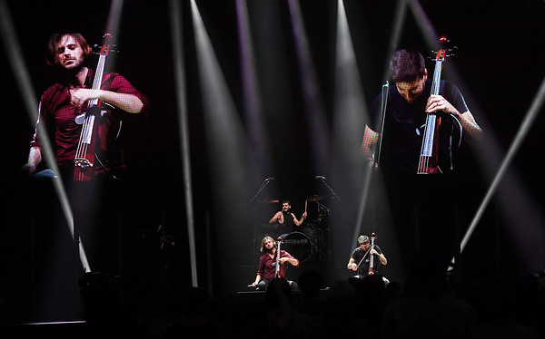 2CELLOS Play The Well