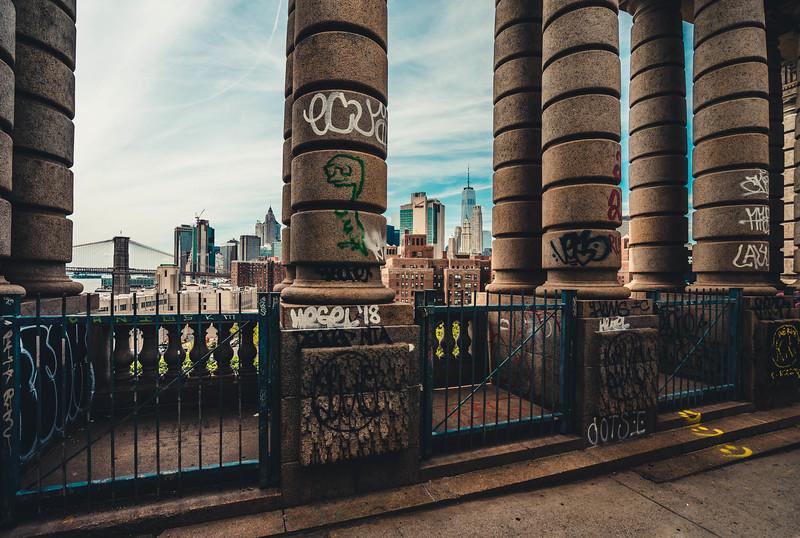 Manhattan Bridge columns 1.jpg