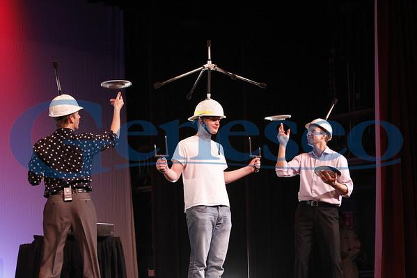 Siblings Weekend - Juggling Performers @ Wadsworth Auditorium