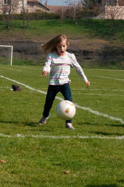 Elisabeth focusing very hard on the ball - St. Etienne.