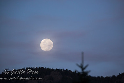 Full Moon Setting Sunrise 08-30-2015