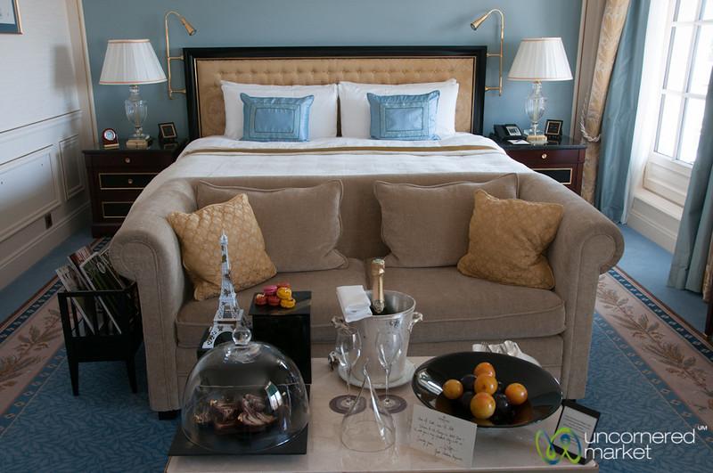 Shangri-La Paris Hotel Room