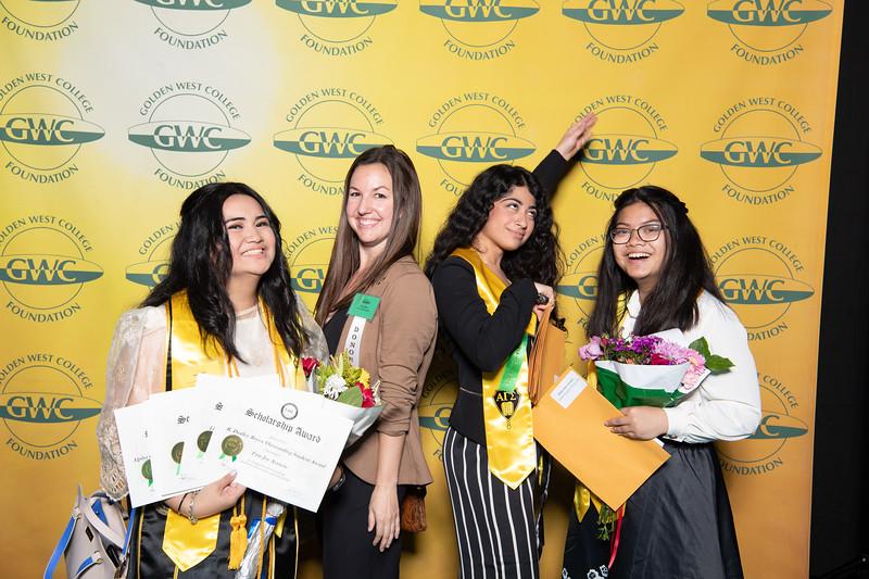 Scholarships-Awards-2019-0710.jpg