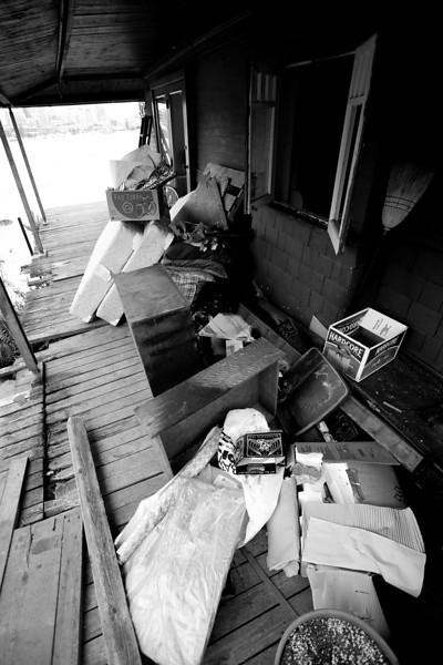 _MG_9234~-(Houseboat_fire).jpg