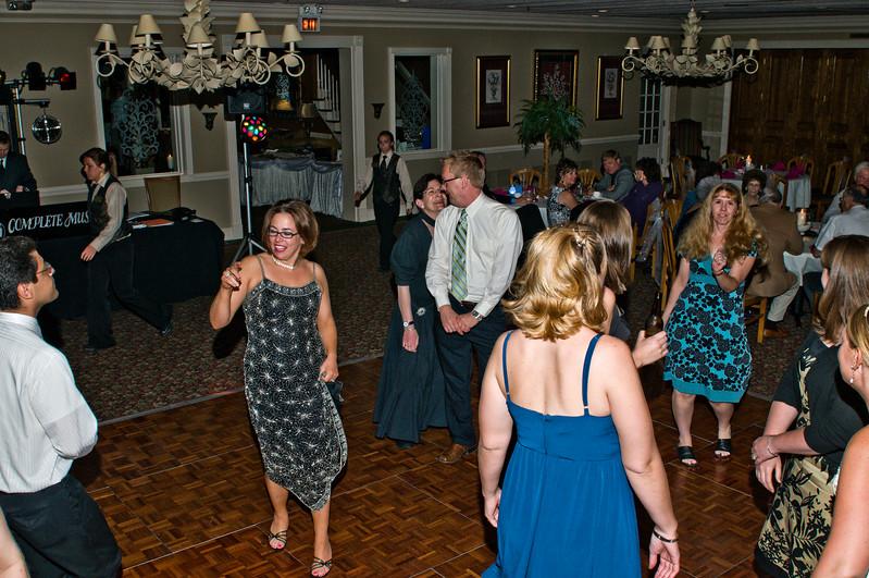 188 Mo Reception - Dance Floor.jpg