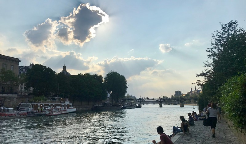 Walking back from our picnic on the Seine (it was almost 10 o'clock!)