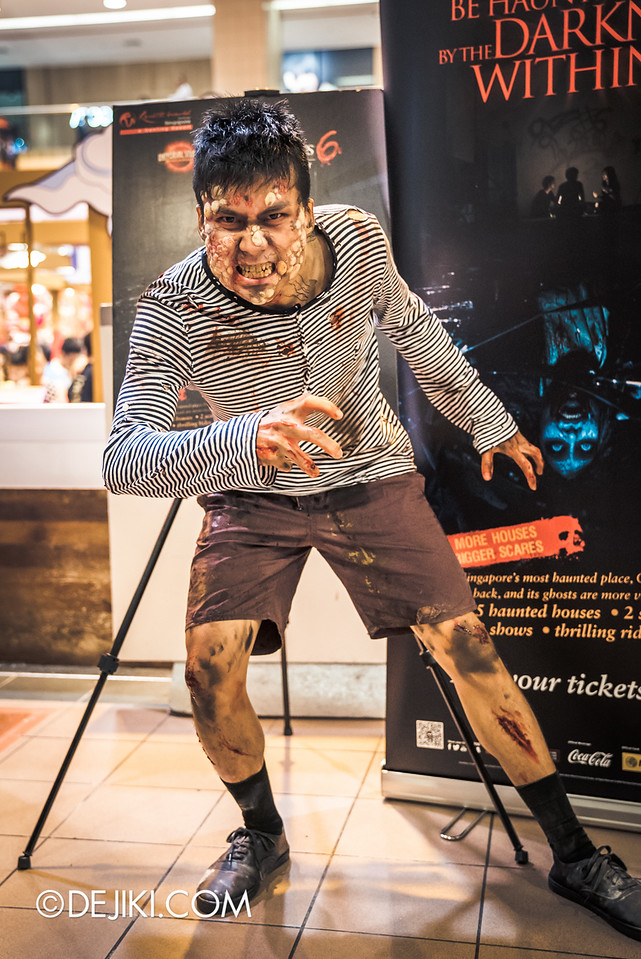 Universal Studios Singapore - Halloween Horror Nights 6 Before Dark Day Photo Report 1 - Hawker Centre Massacre Poisoned Teen vertical