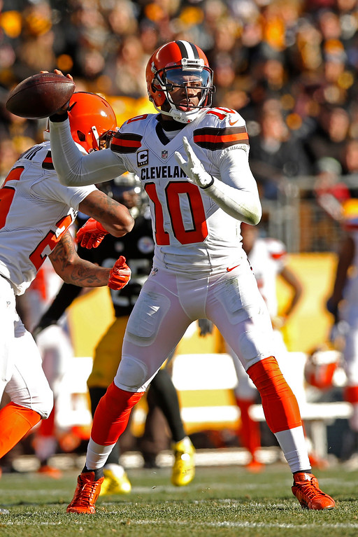 . Cleveland Browns quarterback Robert Griffin III throws a pass during the first half of the team\'s NFL football game against the Pittsburgh Steelers in Pittsburgh, Sunday, Jan. 1, 2017. (AP Photo/Jared Wickerham)