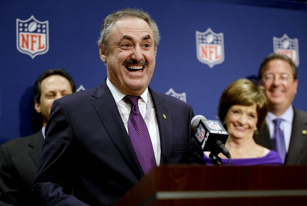 """. <p><b> Vikings owner Zygi Wilf was all smiles on Tuesday when he found out that � </b> <p> A. Minnesota was awarded the 2018 Super Bowl <p> B. His new stadium will be completed ahead of schedule <p> C. He was granted another 20-year delay in his New Jersey racketeering case <p><b><a href=\'http://www.twincities.com/sports/ci_25799920/minnesotas-super-bowl-bid\' target=\""""_blank\""""> LINK </a></b> <p>     (AP Photo/David Goldman)"""