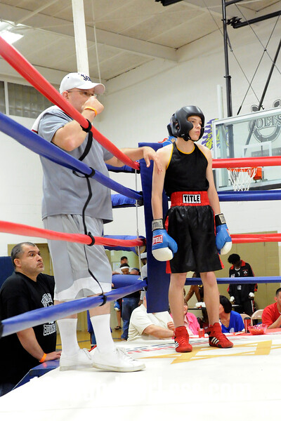 Bout 2 Kentrell Stovell, Northside BC, Akron -vs- Charlie Clousten, Ellwood City Police Boxing, PA