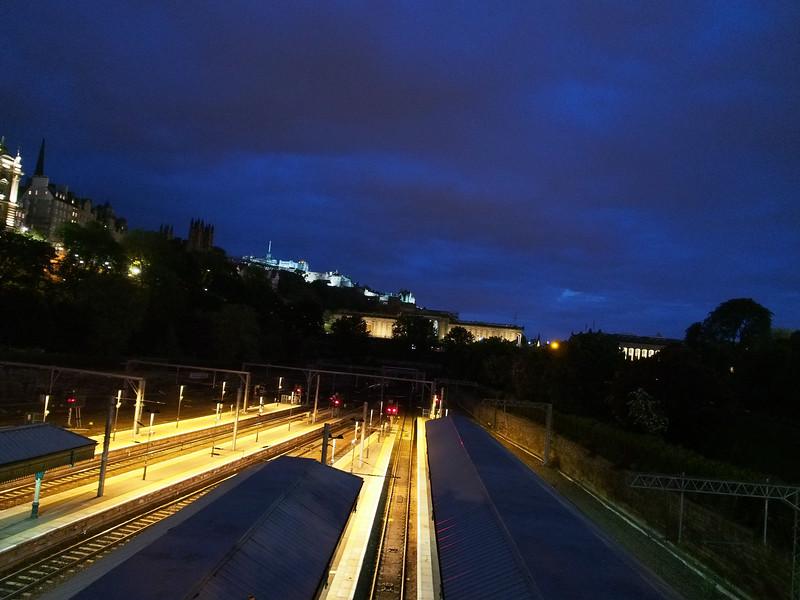 Train Platforms In Waverley Station