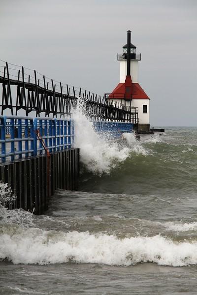 Lake Michigan lighthouse waves.JPG