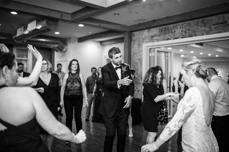 katelyn_and_ethan_peoples_light_wedding_image-828.jpg