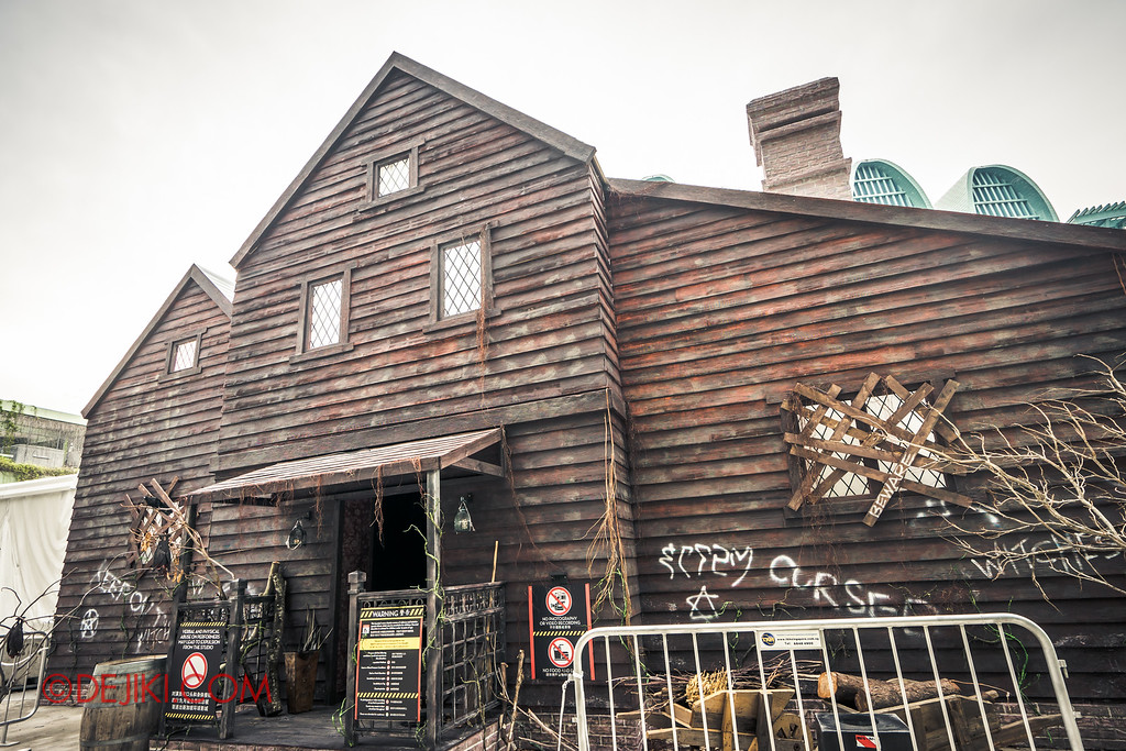 Halloween Horror Nights 6 Behind The Screams BTS Tour 2016 / Salem Witch House haunted house lights-on tour / witch house facade