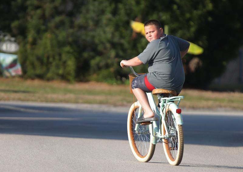 125_Neighbor on bike_3547_S.jpg