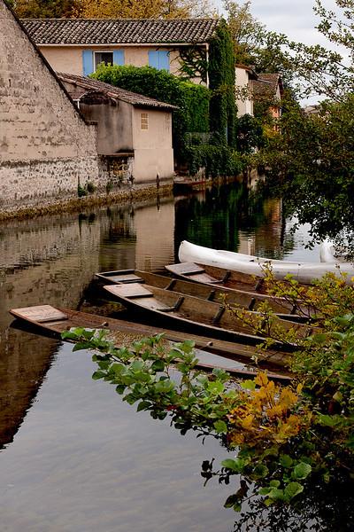 sorgue river boats.jpg