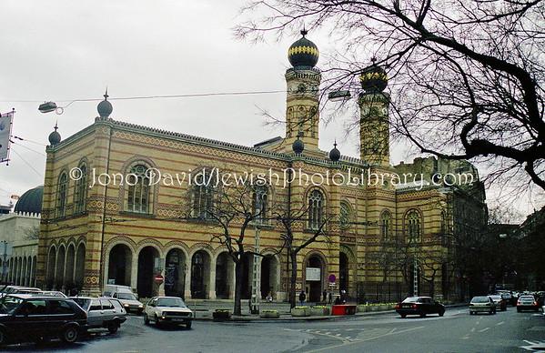 HUNGARY, Budapest. Great Synagogue (aka, Dohány Street Synagogue). (1998)