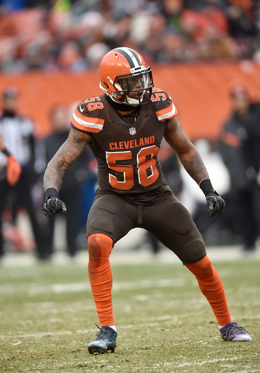 . Cleveland Browns inside linebacker Demario Davis (56) runs a route in the second half of an NFL football game against the Cincinnati Bengals, Sunday, Dec. 11, 2016, in Cleveland. (AP Photo/David Richard)