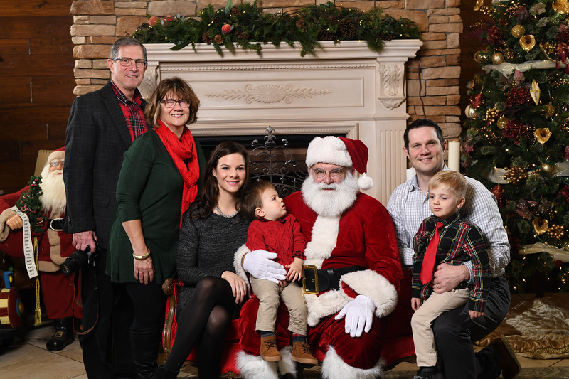 Santa2018.TylerBoye.-50.jpg