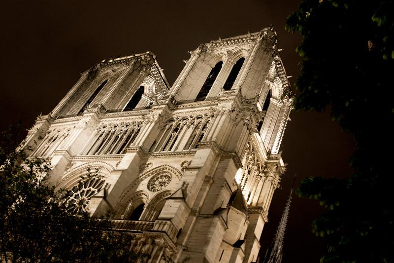 Paris-NotreDame-Night-IMG_2206.jpg
