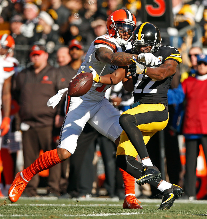 . Pittsburgh Steelers cornerback William Gay (22) breaks up a pass intended for Cleveland Browns wide receiver Terrelle Pryor (11) during the first half of an NFL football game in Pittsburgh, Sunday, Jan. 1, 2017. (AP Photo/Jared Wickerham)