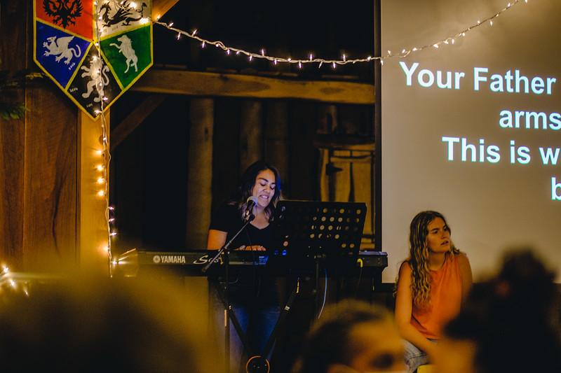 OC-Week9-Thursday-Songfest-AG-4.jpg