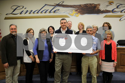 red-baron-building-company-donates-5000-to-lindale-isd-reading-program
