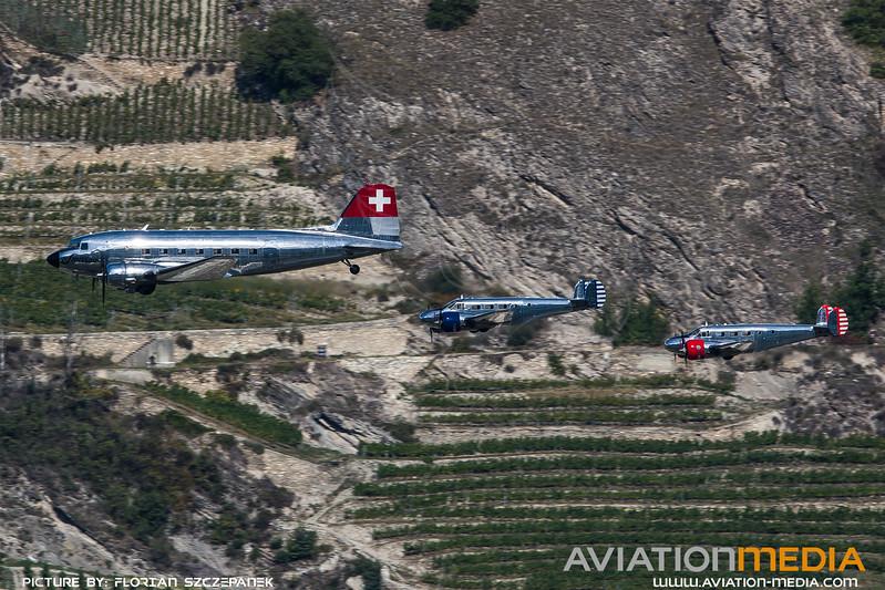 Private / Douglas DC-3, Beechcraft 18 S, Beechcraft 18 Expeditor / N431HM, N21FS, N223CM