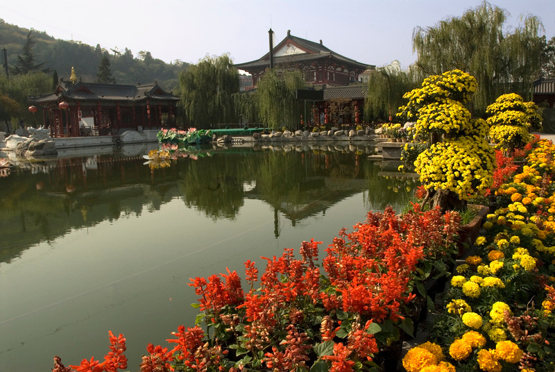China_Xi'an Hot Springs Temple-1.jpg
