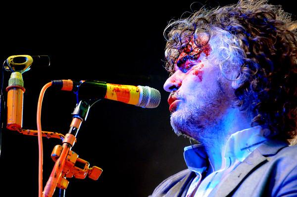Wayne Coyne, The Flaming Lips, New Years Freakout 2011.