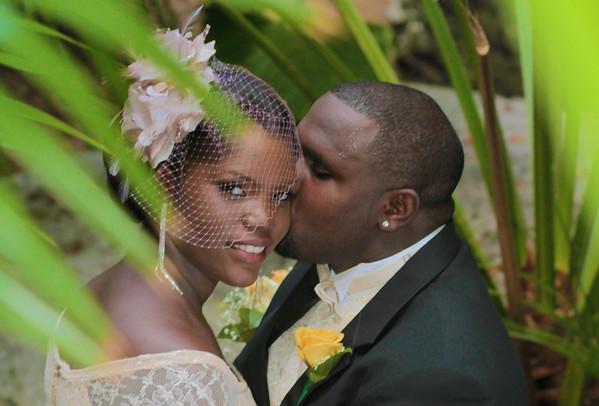 The Hinseys | Bahamas Wedding | Queen's Staircase | Nassau, Bahamas