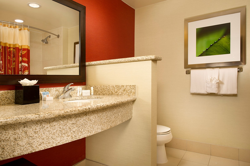 2-Bathroom-CY Amarillo.jpg