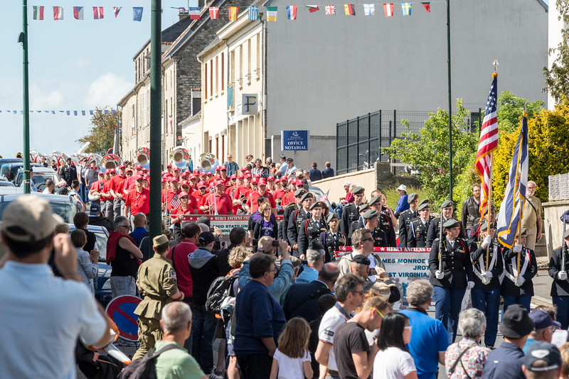 During planning conferences, the parade was described as short and downhill.  The long, rather uphill hike to the staging area wasn't mentioned!  ;-)