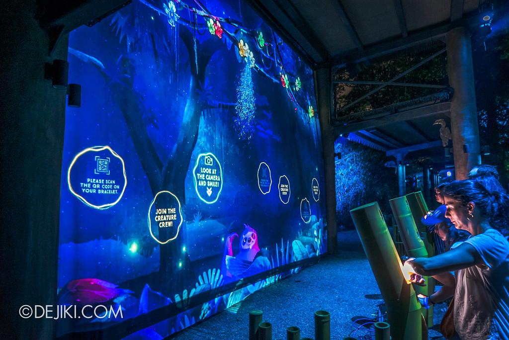 Singapore Zoo Rainforest Lumina - Wall of Fame zone