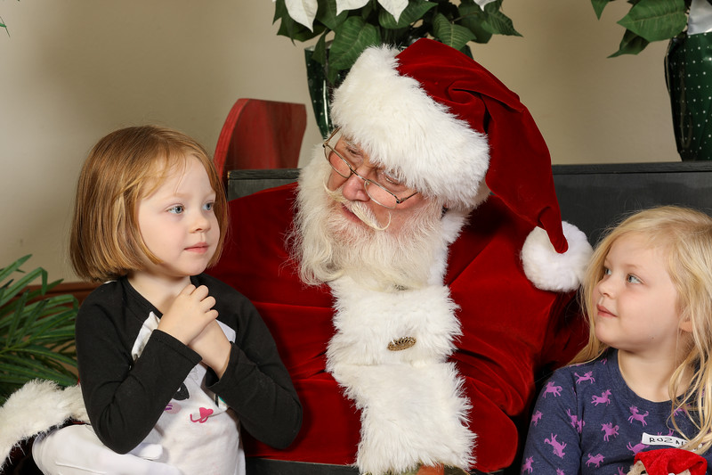 TBTP 2019 Photos with Santa-50.JPG