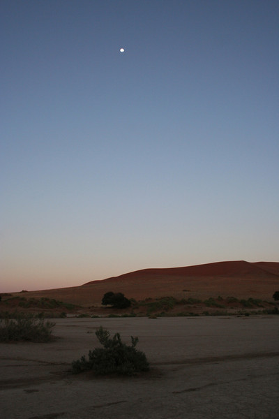 before sunrise at soussvlei national park