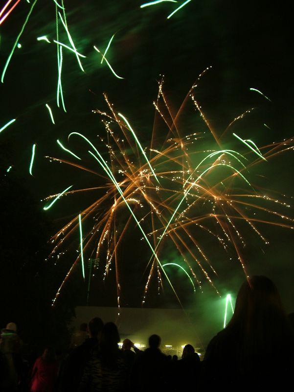 2004_1105putneyfireworks20020.JPG