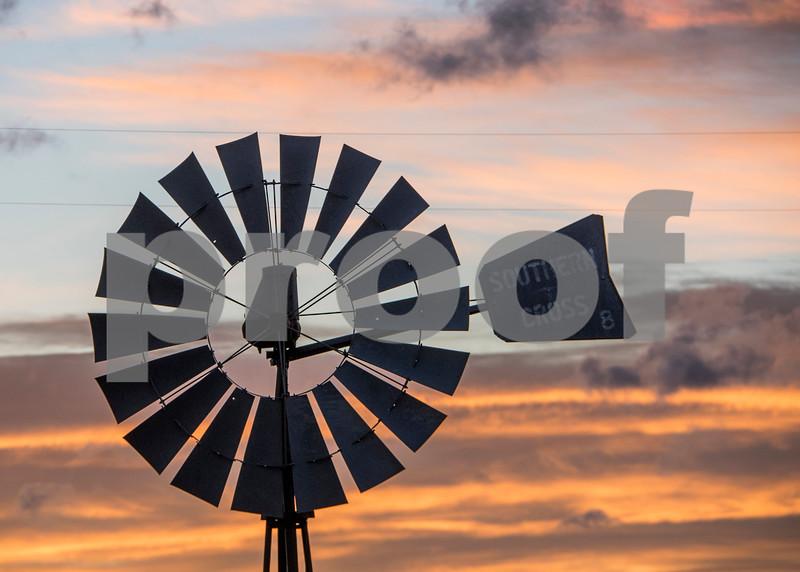 Windmill sunrise 2.jpg