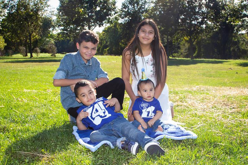 2020 10 Jose and Susanah Family _MG_070561.jpg