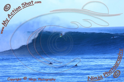 <font color=#F75D59>2009_11_01 am - Surfing Pipeline, NORTH SHORE</font>
