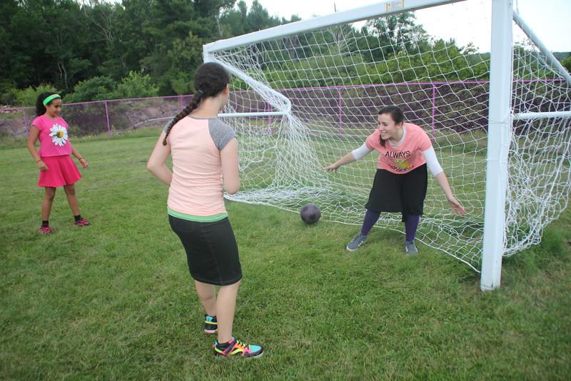 kars4kids_thezone_camp_GirlDivsion_activities_sports_soccor (29).JPG