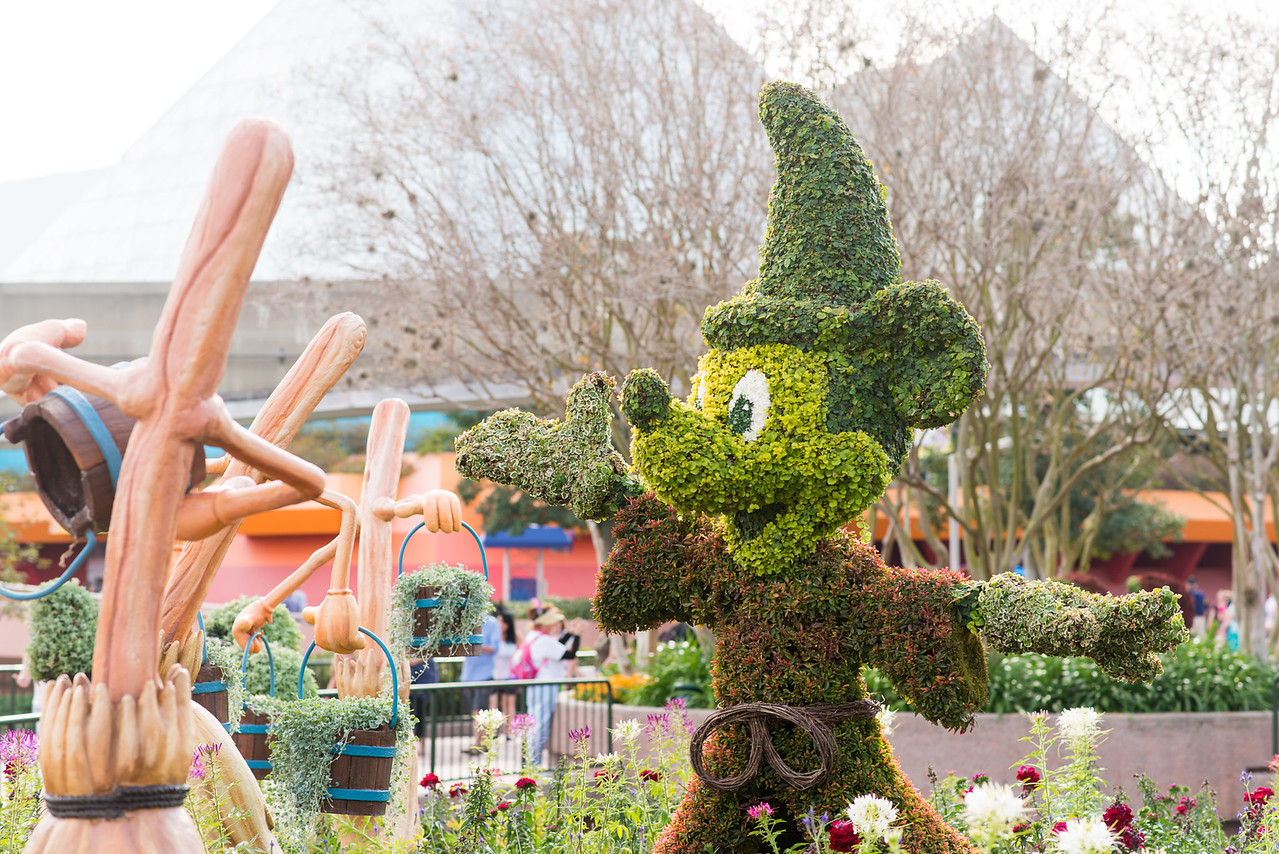 Sorcerer Mickey Mouse Topiary - Epcot Flower & Garden Festival 2016