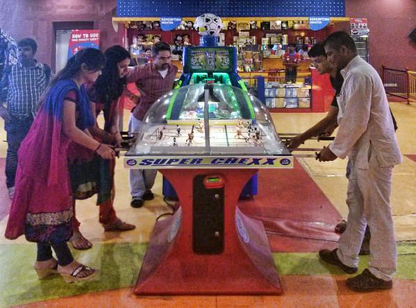 XHD - Bowling & Arcades