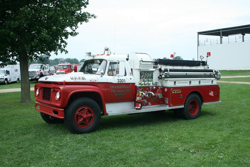 ORANGEVILLE FPD,IL ENGINE 3301 FORD / BEAN  MONROE FIRE SCHOOL,WI