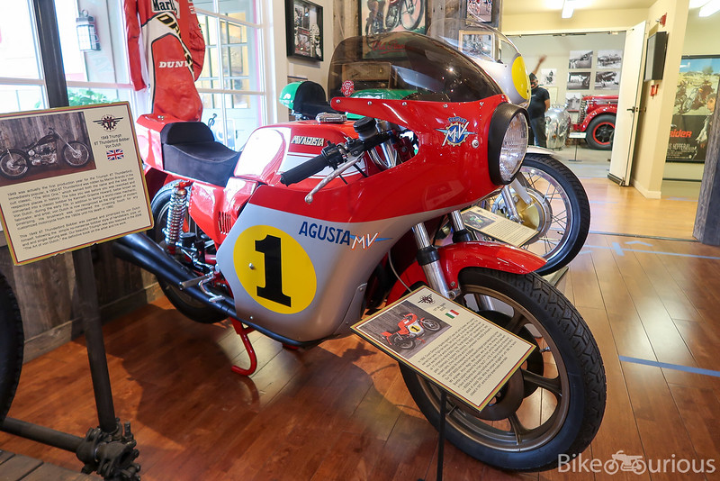 MV Agusta 850SS - Right Side.jpg