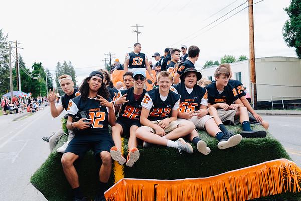 {Football} 2016 Fair Parade