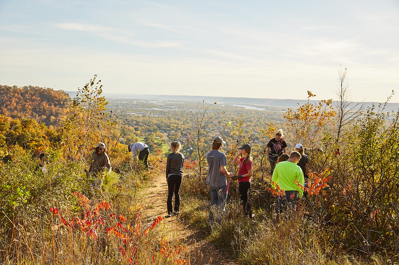 2017_UWL_Fall_Miller_Bluff_Invasive_Species_Removal_MVC_Geography_0043.jpg