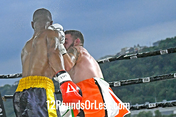 Bout #3: Latorie Woodberry, Blue + Gold Trunks, Roanoke, VA -vs- Mike Conway, Green, Orange + White Trunks, Pittsburgh, Lightweight, 4 Rounds