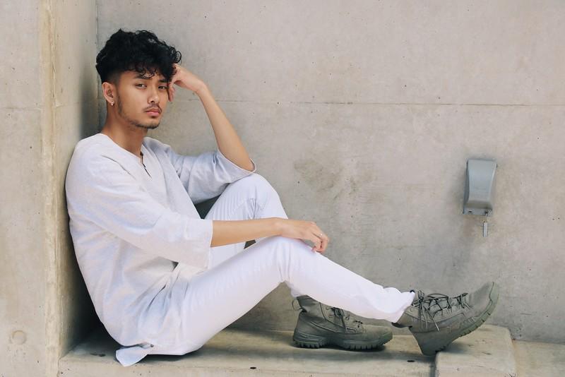 "@davincixcii 5'7""   Shirt S   Pant 30   Shoe 8   130lbs Ethnicities: Vietnamese Skills: Vietnamese American, Fluent in Vietnamese, Hip Hop Dancer, Choreograph, Choir Singer, LGBTQ Friendly."